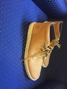 Men's size 10 Timberland shoes perfect condition