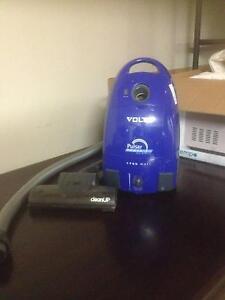 Volta Vacuum Cleaner 2000w Molendinar Gold Coast City Preview