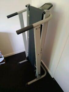 Mechanical treadmill