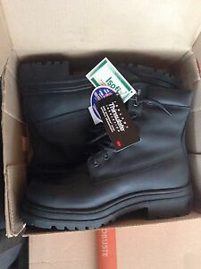 STC safety shoes (size 14)