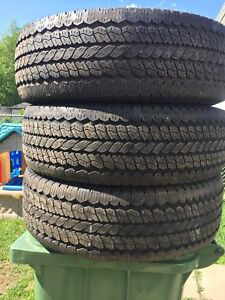 P265/75/15 inch Truck Tires / LOTS OF TREAD/ GOOD DEAL