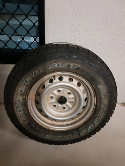Hilux rim with brand new tyre