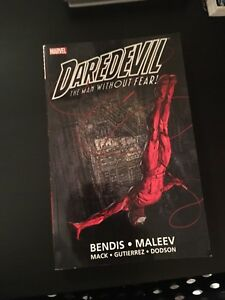 Daredevil Trade Paperback by Bendis Vol 1