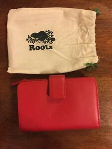 Brand new Roots wallet