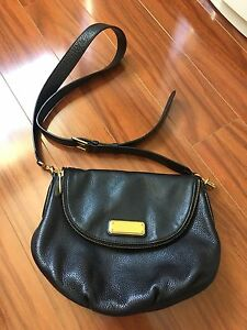 Marc by Marc Jacobs New Q Natasha Cross Body Bag Black