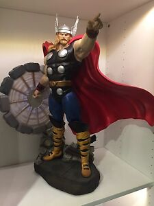 Thor Statue by XM Studios