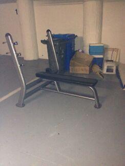 Bench press bench Hampton Bayside Area Preview