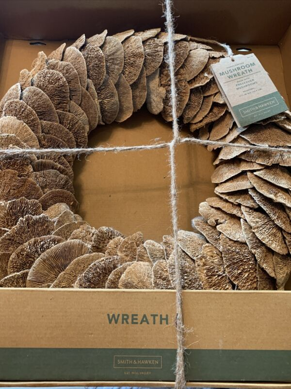 Smith and Hawken Mushroom Hand Crafted wreath