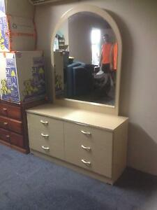 Double ensemble and retro bedroom suite. Molendinar Gold Coast City Preview