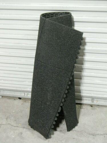 Wearwell Modular Anti Fatigue Mat 3 Ft x 3 Ft Nitrile Grit Shield 57458X3X3NBRBK