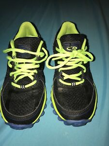 Boys runners size 2
