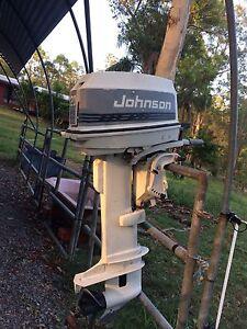 20 Hp Johnson outboard Glass House Mountains Caloundra Area Preview