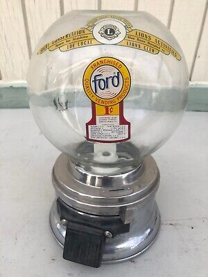 VINTAGE ANTIQUE FORD GUMBALL MACHINE IN NICE WORKING ORDER No Key 1 Cent Globe