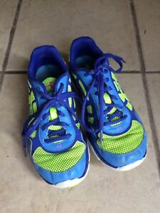 Girls Under Armour Running Shoes Size 3.5!