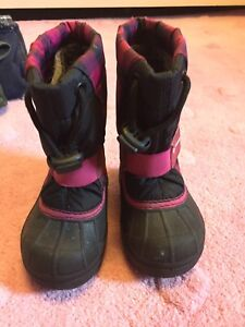 Toddler size 6 Columbia winter boots