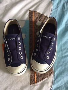 Lands End  sneakers size 11