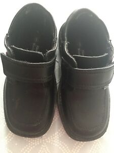 Black boys dress shoes - perfect - size 9