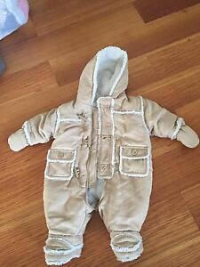 *Used twice gorgeous cosy/snow suit unisex Kenwick Gosnells Area Preview