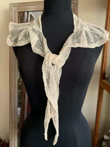Antique French Edwardian Ladies Collar / fichu, tulle embroidered - Greek design