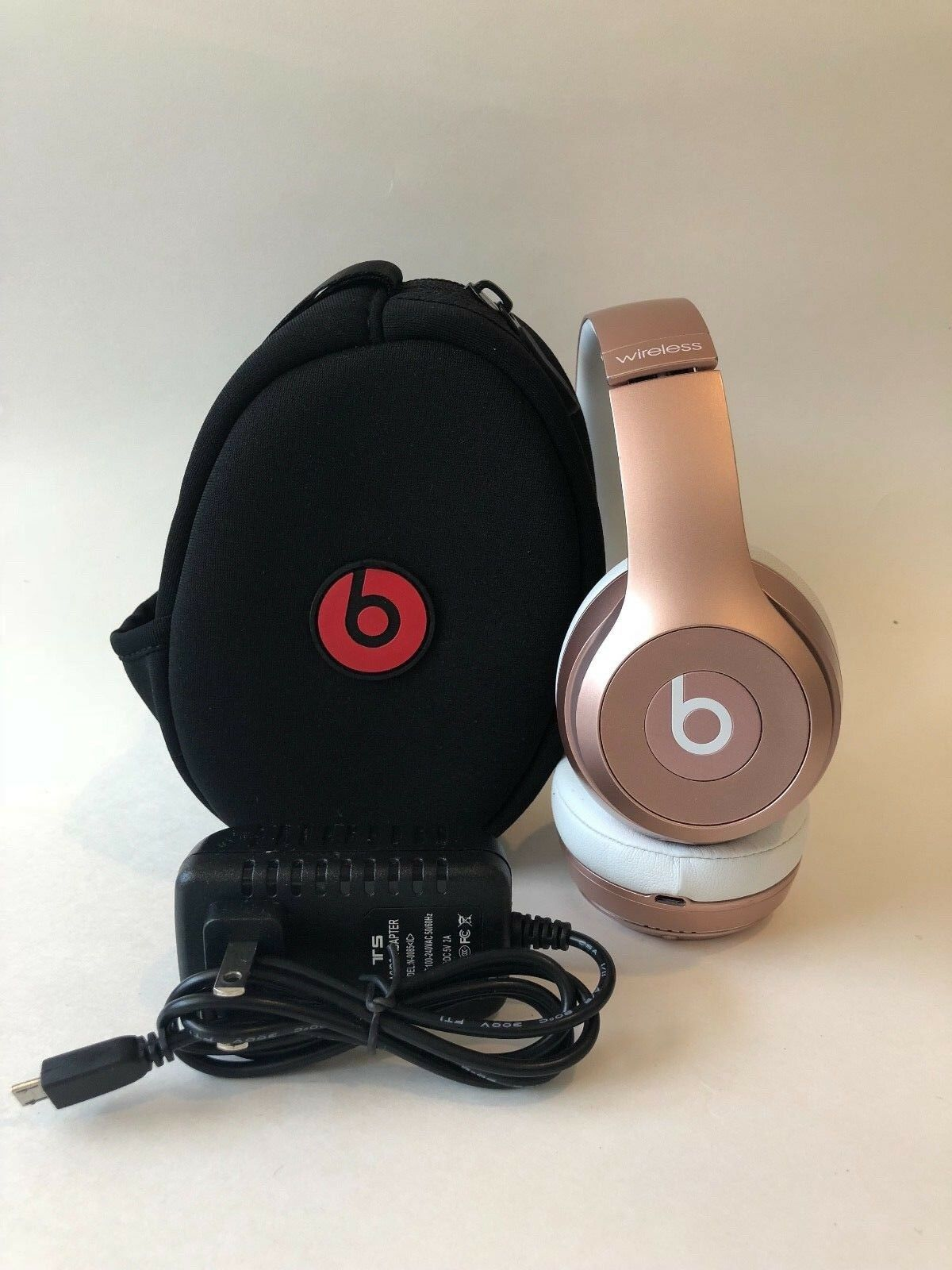 Beats by Dr. Dre Solo2 Bluetooth Wireless Headphones - Good Condition w/ Case