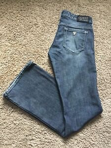 Ladies Guess Jeans (sz 28) 33in inseam