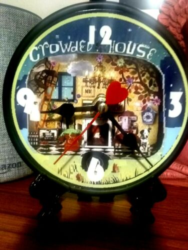 CROWDED HOUSE - 5 INCH QUARTZ DESKTOP CLOCK / BLACK STAND / GIFT BOX