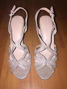 Size 7 Gold high heels (brand new) Burnside Melton Area Preview