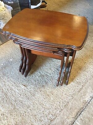 Modern Traditional Used Nest Of 3 Tables 18/11/Y