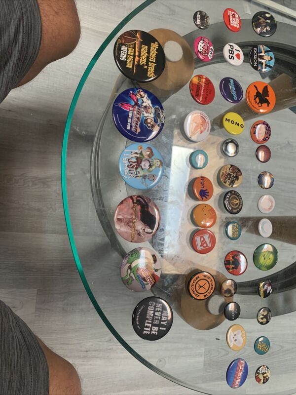 Lot C of 40 Different Assorted Sdcc NYCC Comics Button Pin 2010-2017