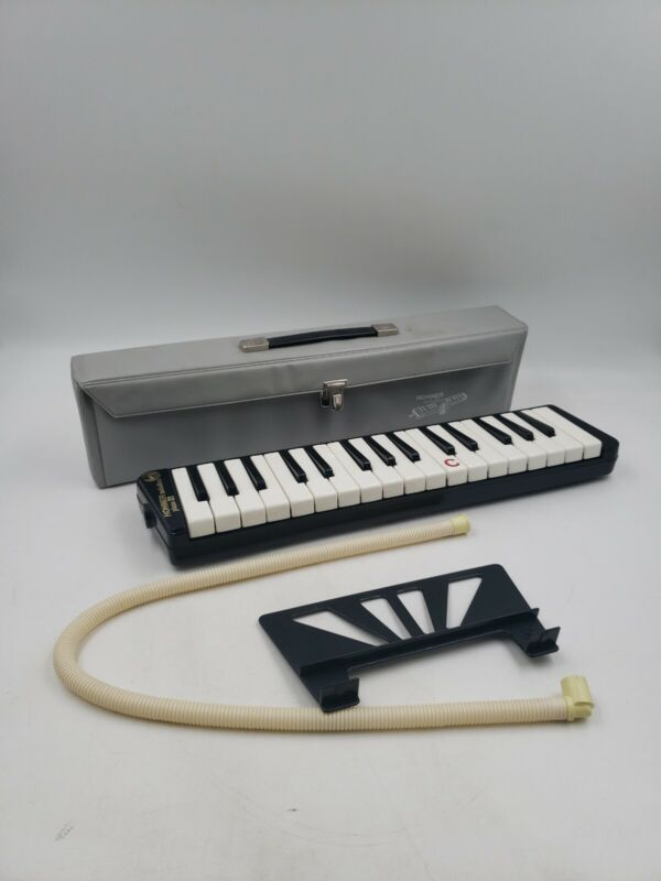 Vintage Hohner Melodica Piano No. 32 with Case w5