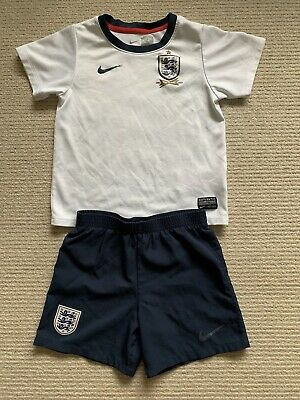 Nike England Football Strip Age 4-5 Years