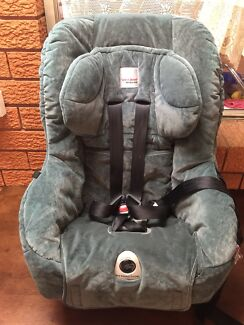Excellent condition safe-n-sounds baby car seat