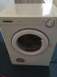 4kg dryer Simpson ! Can deliver Bankstown Bankstown Area Preview