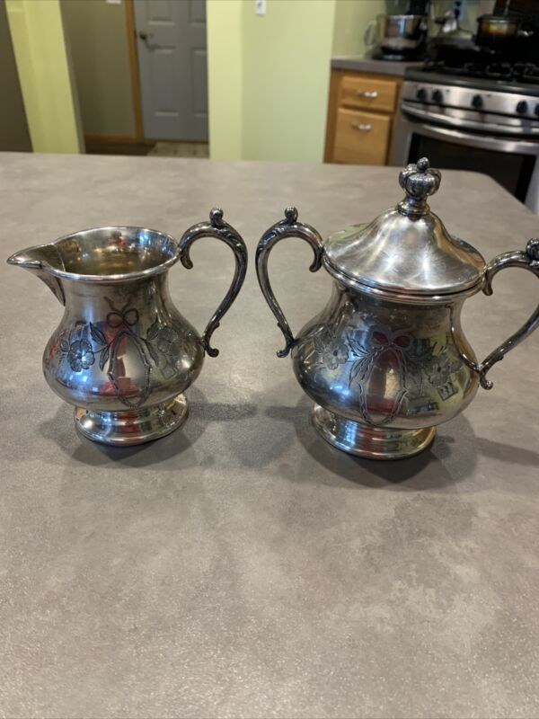 Old WR William Rogers Quadruple Plate  New York #914 Covered Sugar Creamer Etch