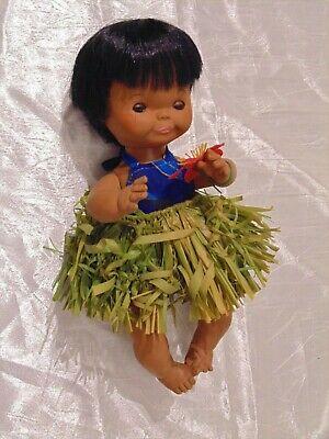 """Vtg 60's Lei aloha Hawaiian Pixie Doll Hula Girl Grass Skirt 9"""" Sleep Eyes VGC"""