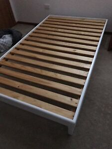 King single bed base Berowra Heights Hornsby Area Preview