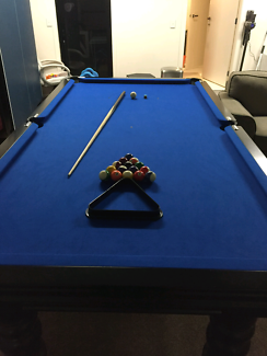pool table in very good condition