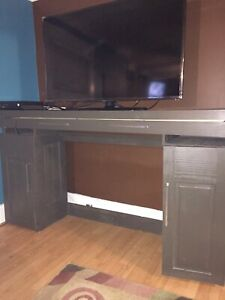 Large Hutch/TV Stand