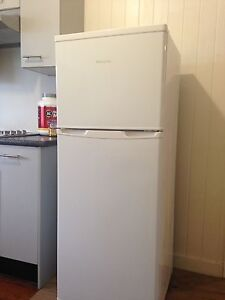 Hisense 220L Fridge/Freezer Caloundra Caloundra Area Preview