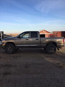 2006 Dodge 1500 Laramie Low Kms