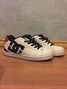 Size 8 men's DC shoes