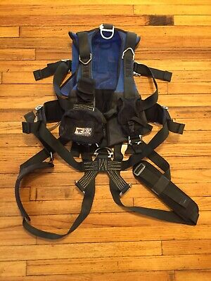 Cmc Rescue 202131 01 Confined Space Harness Blue Lot A