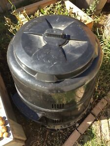 Earth master composter