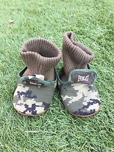 Everlast baby kids Camo booties pre Walker shoes size 5 - 6 North Beach Stirling Area Preview