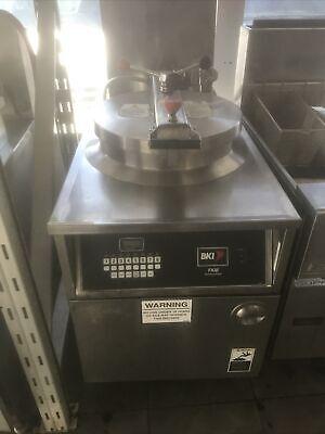 Bki-fkm-fc Hd Digital 208v 3phase Electric Pressure Fryer Wfiltrationbasket