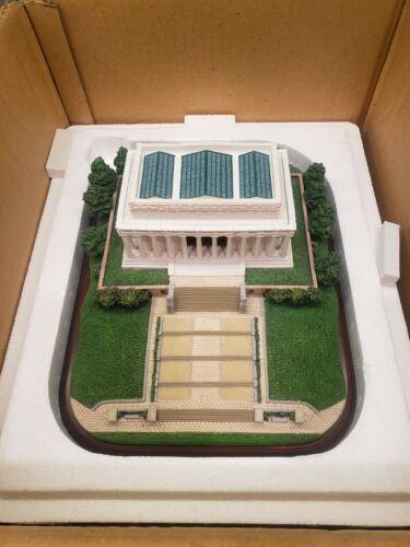 Danbury mint Lincoln Memorial replica