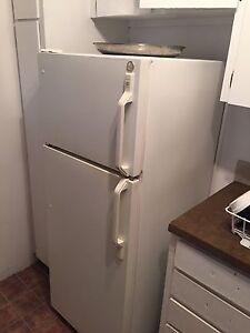 Réfrigérateur et cuisinière