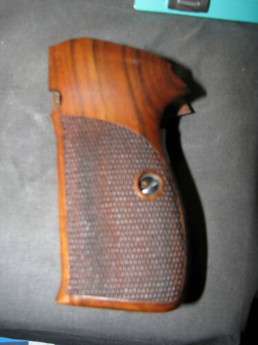 """SIG P210A """"American"""" English Walnut+Chkrd/Back Pistol Grips f/AMERICAN-MADE ONLY"""