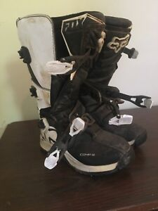 Youth size 7 comp 5 motocross boots