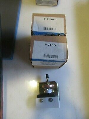 G12 Johnson Controls P-7100-1 Pressure Electric Switch Lot Of 2 Free Shipping